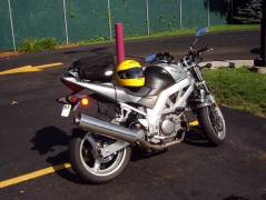 The SV650 with tailbag + helmet.